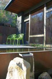 bbh-seattle-modern-house-pool-spout
