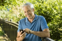 Smart Cell Phone Security Tips for Seniors