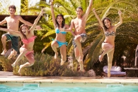 How to Plan the Perfect Pool Party This July