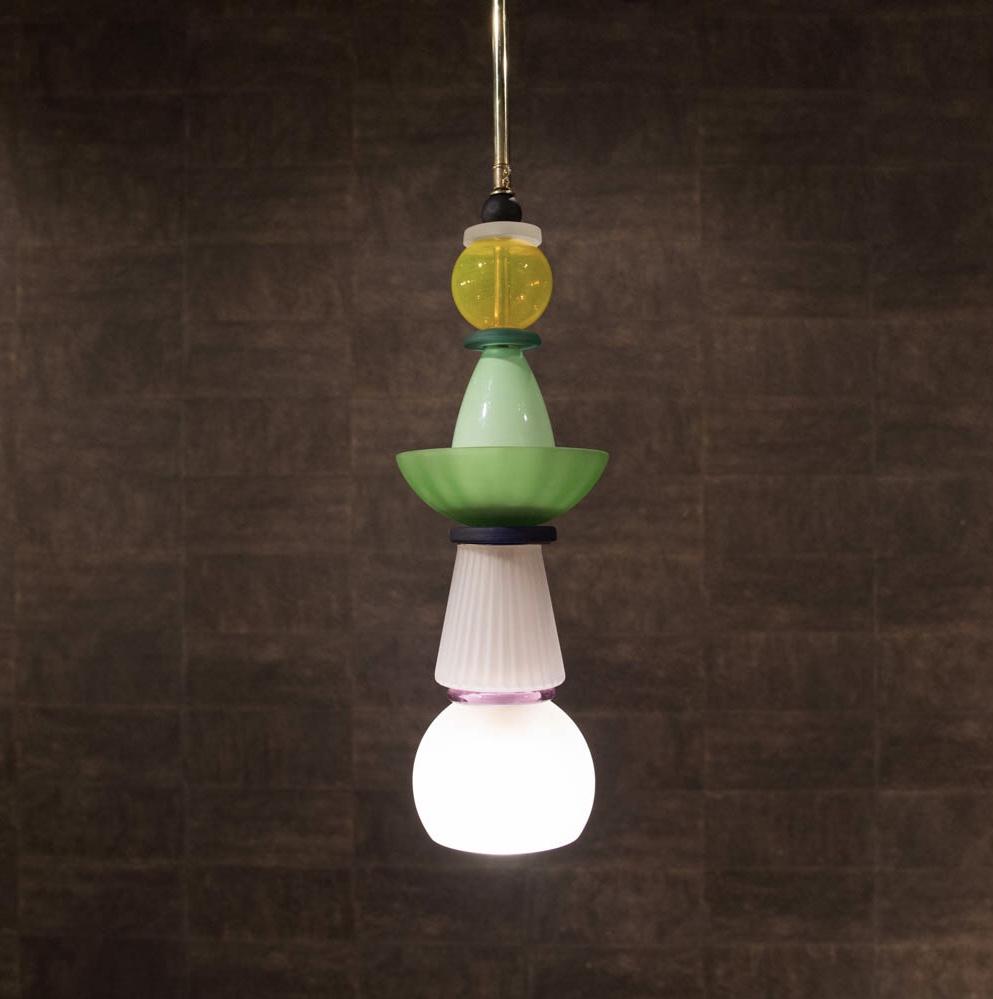 Per ogni lampadario murano si possono abbinare le applique, le lampade da tavolo e flambeaux in vetro di murano. Lampadario Murano Anni 80 In Vetro Colorato Egidi Madeinitaly