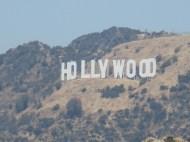 Les fameuses lettres ont en fait été installées sur le mont Lee, pas sur le mont Hollywood.