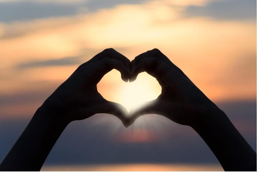 Saint Valentin : en couple ou célibataire, on a tous une raison de célébrer l'amour !