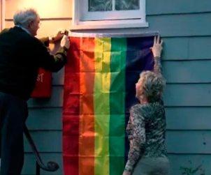 Vecinos de Mike Pence en protesta por la homofobia