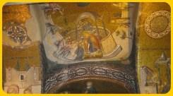 Ortadaki sahnedeki soldaki kişi Methokites. Hz. İsa'ya kilisenin, yani Kariye'nin modelini sunuyor. Soldaki mozayikte, ilk adımlarını atan küçük Meryem var.