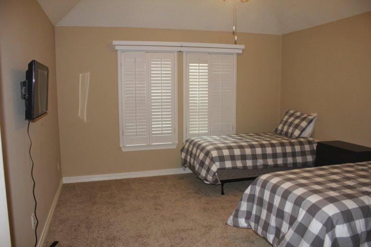 og plano bedroom