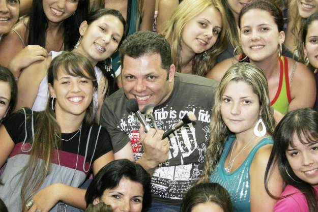Beto França com os Alunos da UNIVALI - Foto Marcos Morrone