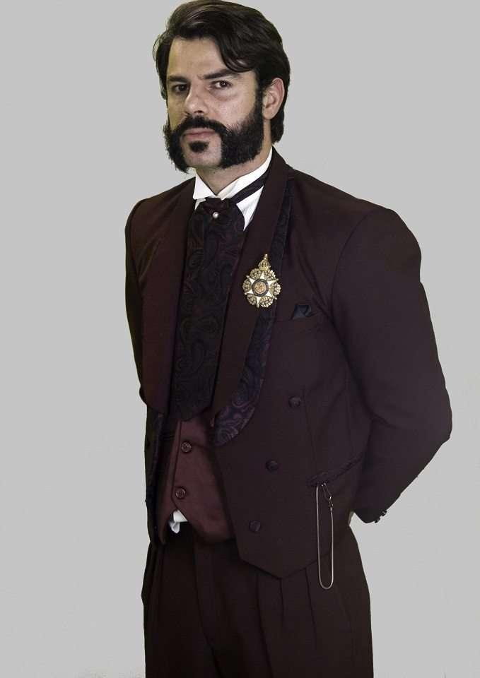 Bruno Pacheco como Dom Pedro I - Fotos: SouVini - Renato Cipriano - Divulgação