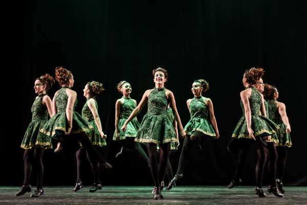 """""""Irish Joy"""", de Ana Carolina Tomioshi. Sheila's Ballet, de Sorocaba (SP) - Foto: Claudio Etges - Divulgação"""