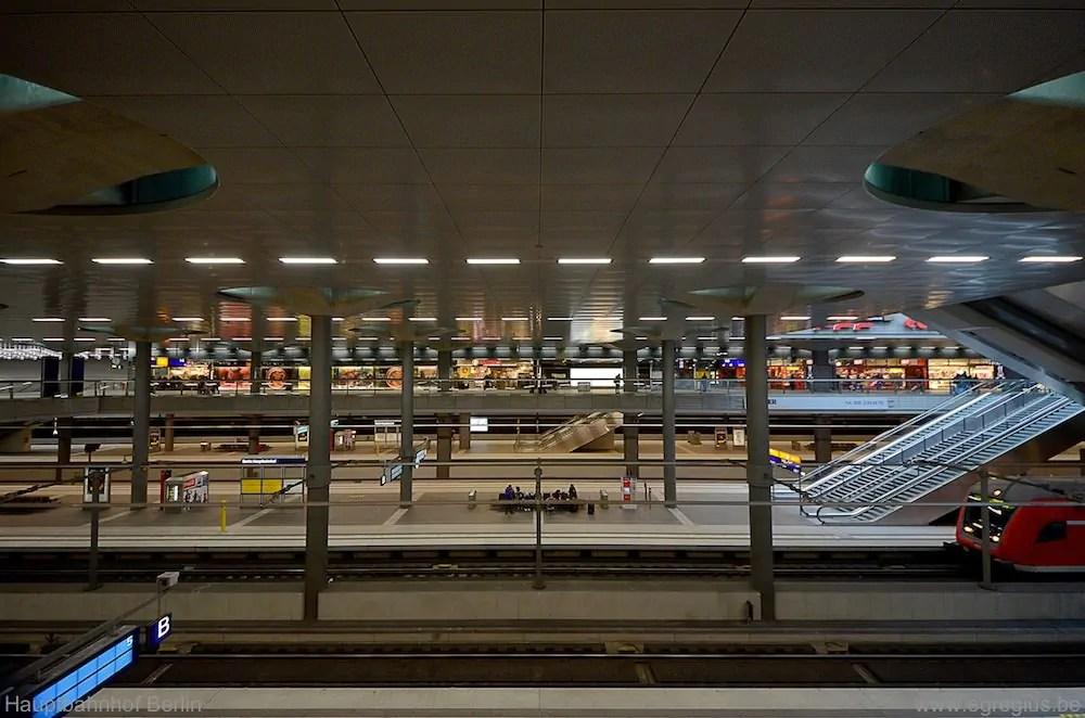 Hauptbahnhof Berlin 15