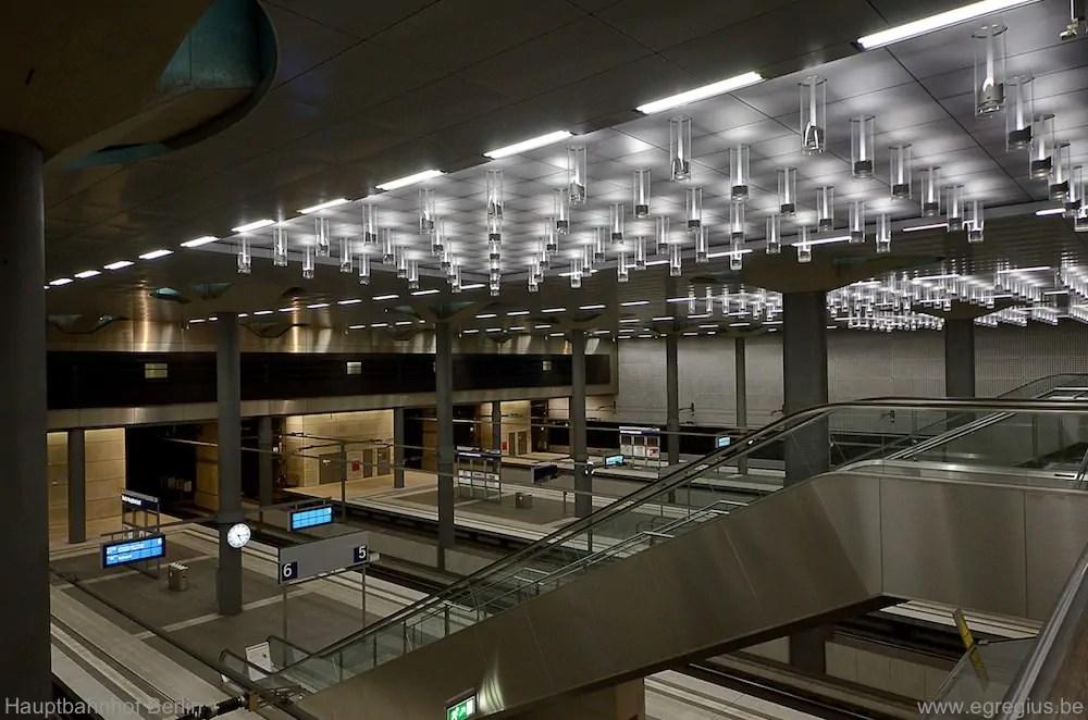 Hauptbahnhof Berlin 16