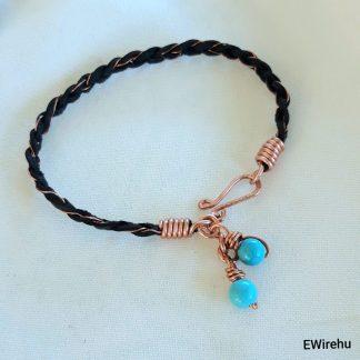drótékszer - bőr karkötő kék türkinittel