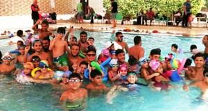 كاديمية تعليم وتدريب السباحة