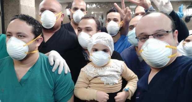 شفاء طفلة 4 سنوات من فيروس كورونا وخروجها من مستشفي العزل