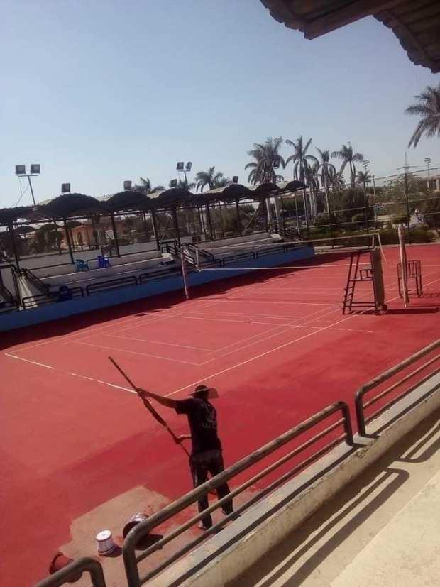 ملعب تنس نادي الإعلاميين الرياضي