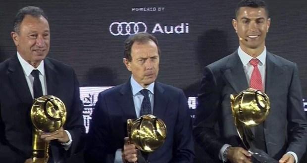 محمود الخطيب في حفل جوائز جلوب سوكر 2020