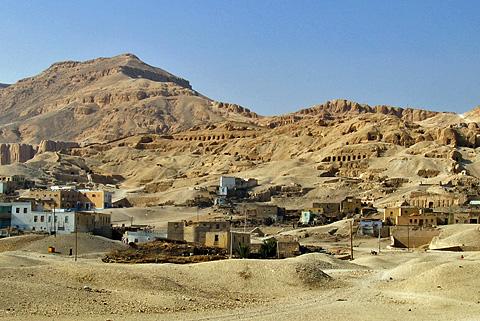 Tombs at Qurna below el-Qurn