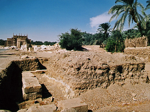 Excavations of the quay at Hibis