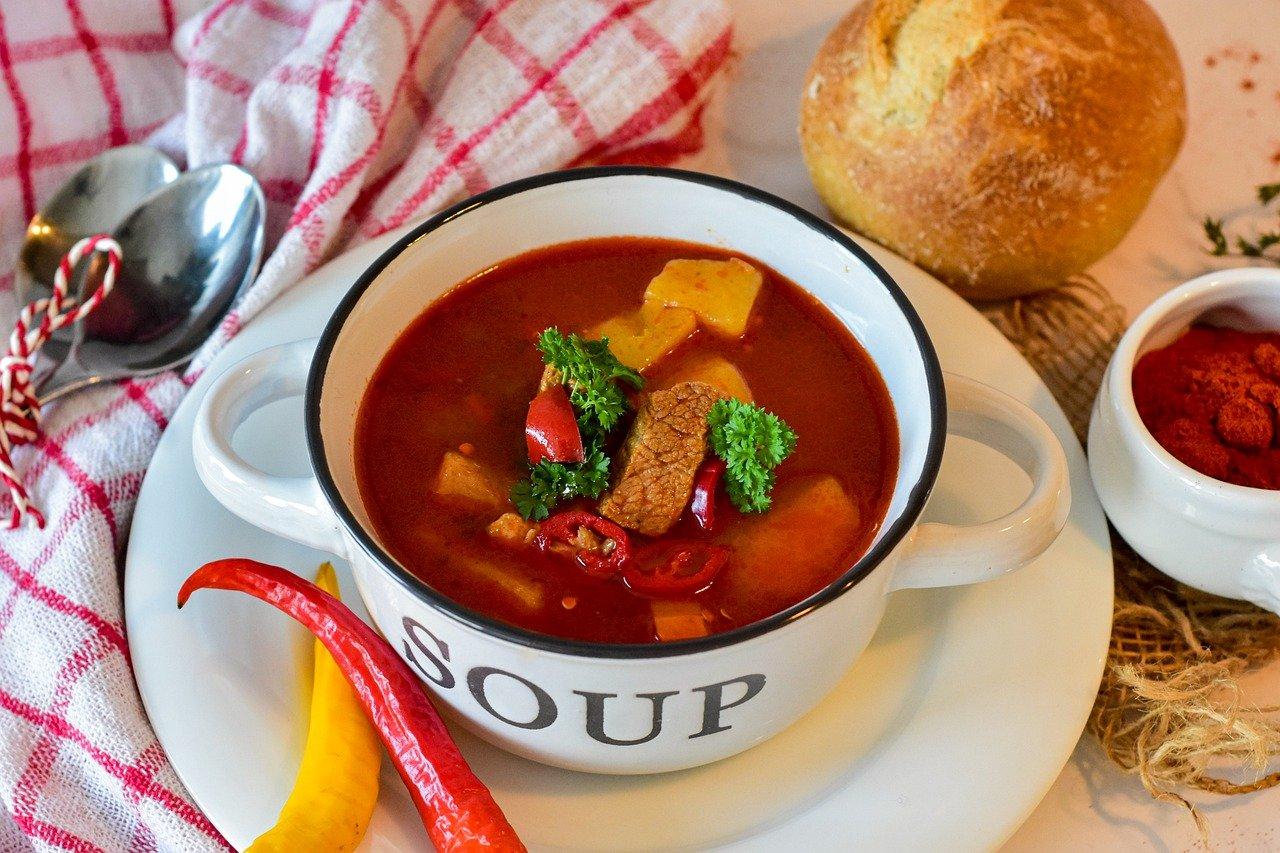 goulash, soup, dish-6054124.jpg