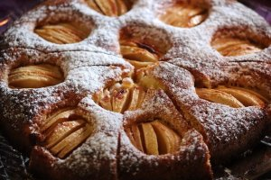 slip cake, apple cake, cakes-4640917.jpg