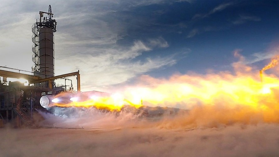 Bezos space startup Blue Origin to supply engines for ...