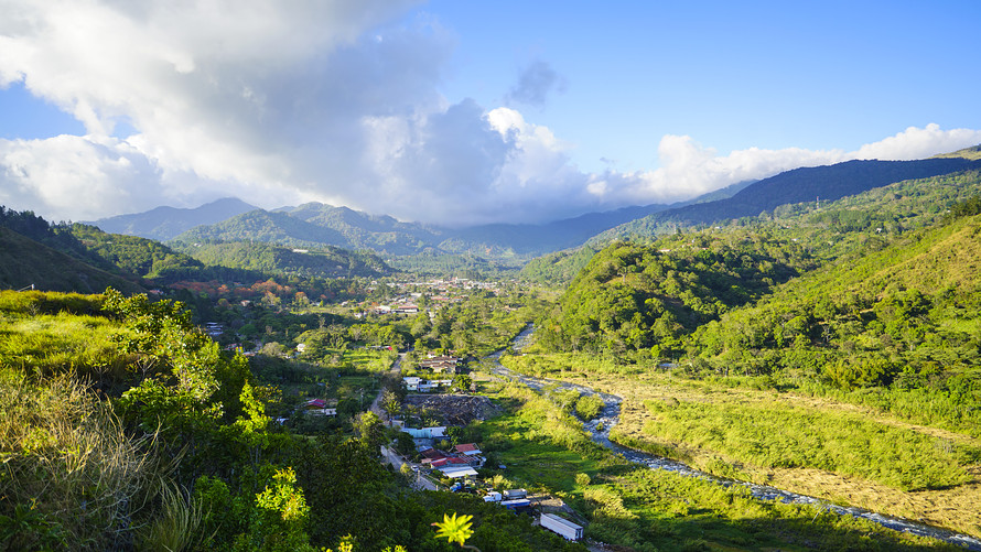 MW HP999 boquet 20190822155659 ZH - 'It is an act of insanity to stay in the U.S.': Why this 63-year-old teacher ditched Massachusetts to retire in the highlands of Panama
