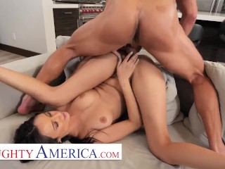 Naughty America – Eliza Ibarra fucks her married boss