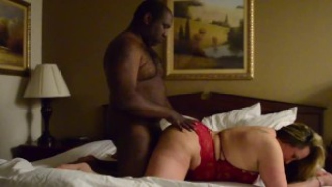 Slut Wife Sneaking out to Fuck BBC Boyfriend at Hotel and Husband Watches Livestream