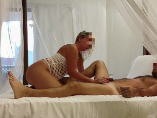 From shower to bed – Amateur Russian couple have fun at Zanzibar, December 2020