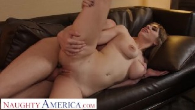 Naughty America – Angelgets fucked by hotel staff after her breakup