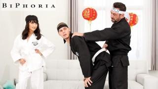 Man Learns The Art Of Cobra Bi To Impress His Girlfriend - BiPhoria