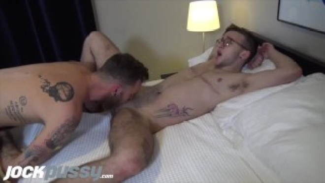 JOCKPUSSY – Trans man gets pussy fucked and bred by big dick