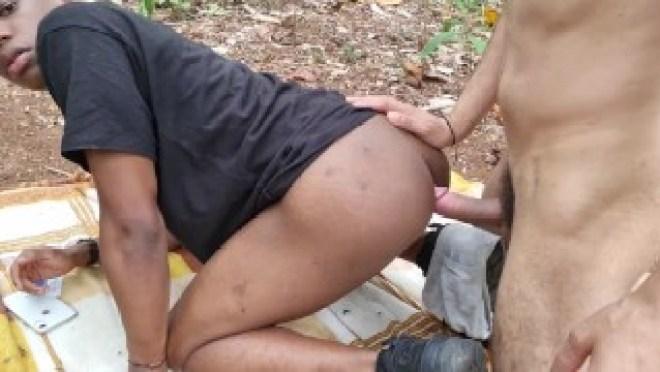 Faciamo sesso in bosco