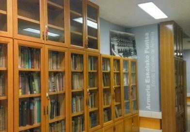 [eiberri.eus] La escuela de Armería cede parte de su fondo bibliográfico a la Biblioteca de Eibar