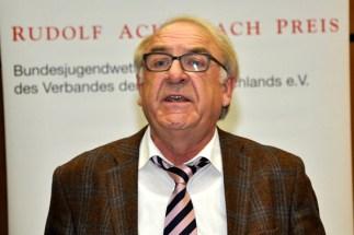 Wolfgang Bauschen, derzeit kommissarischer Leiter des Berufskolleg Eifel, rief die Azubis auf, an ihren Fähigkeiten weiterzuarbeiten. (Bild: Reiner Züll)