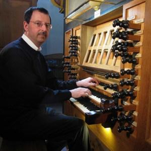 Organist Andreas Warler sorgt nicht nur bei den regelmäßigen Konzerten in Steinfeld für Musikgenuss, sondern hat auch eine neue CD veröffentlicht. Foto: privat