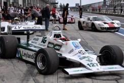 Der australische Rennfahrer Alan Stanley Jones fuhr einst diesen Formel-1-Boliden. Jones startete zwischen 1975 und 1986 bei insgesamt 116 Grand-Prix-Rennen und gewann 1980 Weltmeisterschaft. (Foto: Reiner Züll)