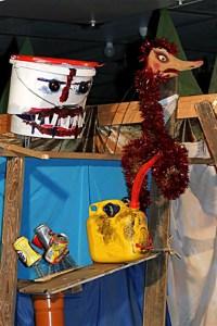 """Die """"Müll-Bande"""" lauerte im Wald. Bild: Silvia Vanselow/Kreismedienzentrum"""