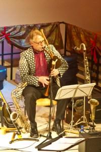 Matthias Höhn glänzte an zahlreichen Instrumenten, darunter auch ein Dudelsack. Bild: Tameer Gunnar Eden/Eifeler Presse Agentur/epa