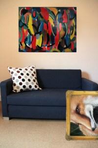 Zeit für einen Bilderwechsel: Im KunstForumEifel gibt es neu Kunst für übers Sofa. Bildmontage: Michael Thalken/epa