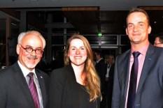 Aachens Städteregionalrat Helmut Etschenberg (links) mit der DG-Ministerin Isabelle Weykmans und dem DG-Ministerpräsidenten Oliver Paasch. Foto: Reiner Züll)