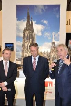 Drei auf einen Streich: Die Oberbürgermeister (von links) Thomas Geisel (Düsseldorf), Jürgen Nimptsch (Bonn) und Jürgen Roters (Köln) präsentierten ihre Städte auf der ITB in Berlin gemeinsam. Foto: Reiner Züll