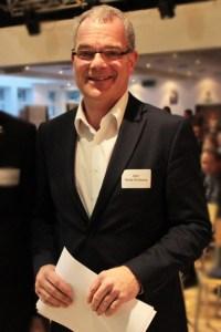 Malte Duisberg, Geschäftsführer der Stiftung EvA Gemünd, übernimmt die Moderation. Bild: Michael Thalken/Eifeler Presse Agentur/epa