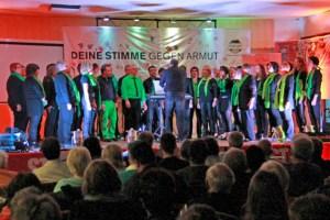 """Der Chor """"CHORios"""" unter dem Dirigat von Guido Nisius begeisterte die Zuhörer. Foto: Ernst Odenhausen"""