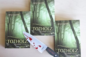 """""""Totholz"""" heißt der neuste Eifel-Krimi aus der Feder von Ralf Kramp, von dem die Eifeler Presse Agentur drei Exemplare verlost. Bild: Tameer Gunnar Eden/Eifeler Presse Agentur/epa"""