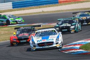 Bei den ADAC GT Masters-Rennen im August am Nürburgring gibt es zwei packende Läufe zu sehen. Im Mercedes SLS gehen die derzeitigen Tabellenführer Luca Ludwig und Sebastian Asch an den Start. Foto: ADAC