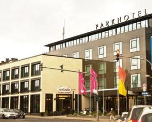 Das Parkhotel Euskirchen ist nicht nur modernes Hotel, sondern auch Veranstaltungsort. Bild: Tameer Gunnar Eden/Eifeler Presse Agentur/epa