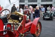Im alten Fahrerlager gab es viele historischen Schätzchen zu bewundern. So auch dieser rote Renault aus dem Jahr 1907. Foto: Reiner Züll