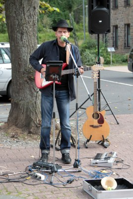 Straßenmusiker sorgten für Abwechslung. Bild: Michael Thalken/epa