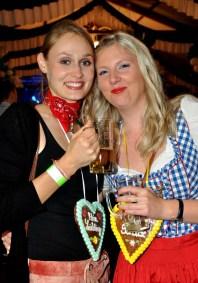 Frauen mit Herz beim siebten Oktoberfest in Lorbach. Foto: Reiner Züll