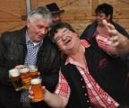 Schmalzler-Frontmann Max Fenzl (rechts) erwies sich in Lorerbach erneut als absolute Stimmungskanone. Foto: Reiner Züll